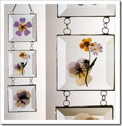 Мобиль с цветами из стекла