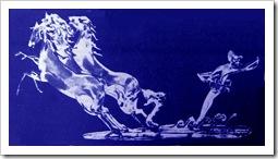 стеклянные синии лошади