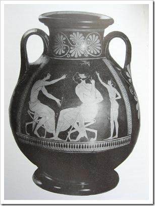 Пеликка с ласточкой мастера Ефрония.